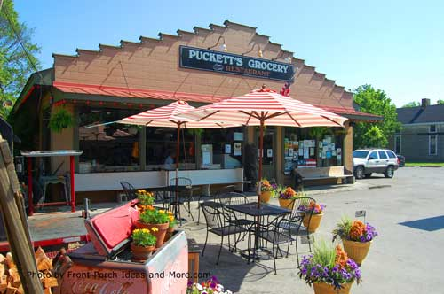 Photo from http://www.front-porch-ideas-and-more.com/leipers-fork-tn.html