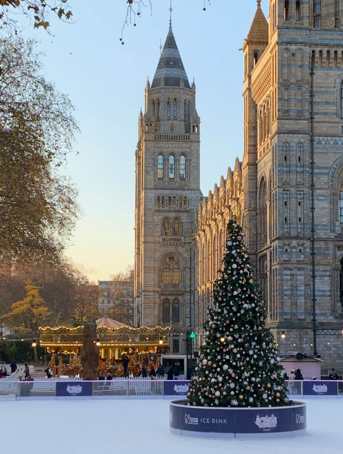 places to visit in London, things to do in London, London bucket lists, best places to visit in London, best places to visit in London with kids, London tourist attractions, day trips from London, best day trips from London, places to visit in England, Christmas in London, Christmas in London pictures, Christmas in London bucket list